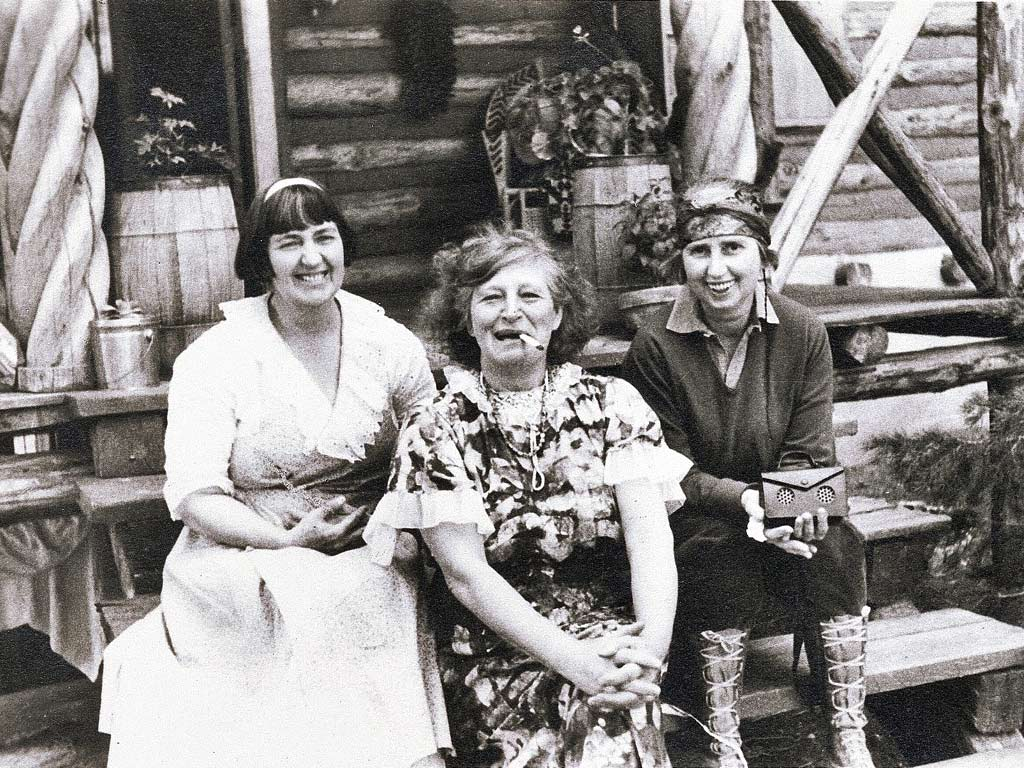 Mabel Dodge Luhan, Frieda Lawrence, Dorothy Brett