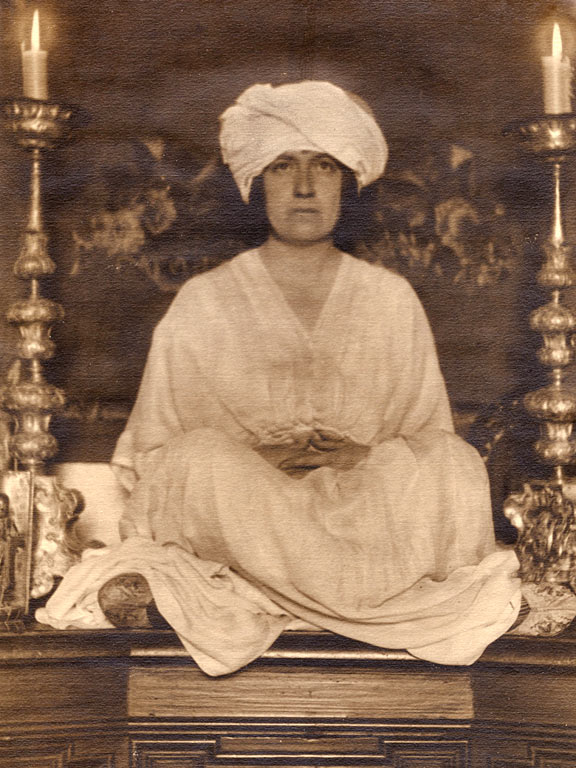 Mabel Dodge Luhan wearing a turban